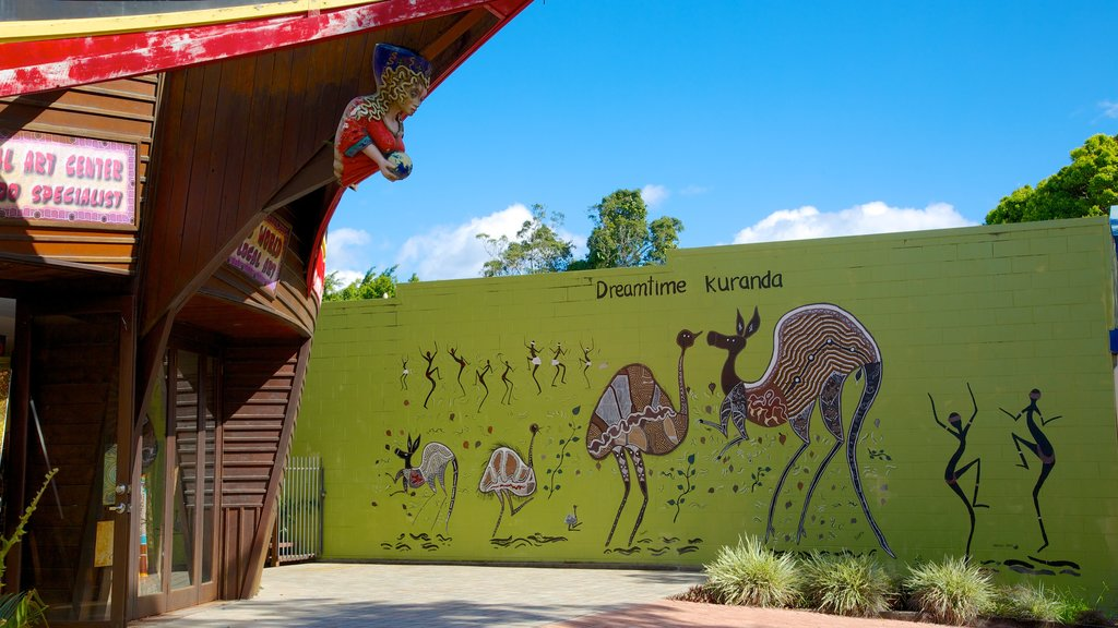 Kuranda featuring outdoor art