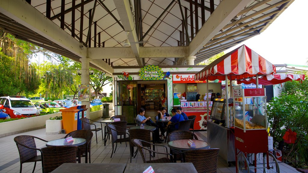 Kuala Lumpur Bird Park showing zoo animals and cafe scenes