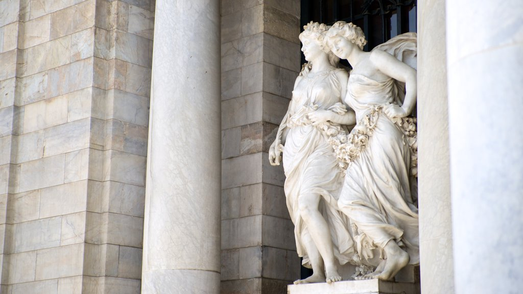 Palacio de Bellas Artes which includes outdoor art, art and a statue or sculpture