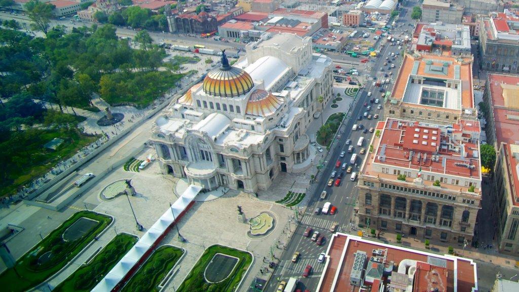 Palacio de Bellas Artes mostrando una ciudad, escenas urbanas y patrimonio de arquitectura