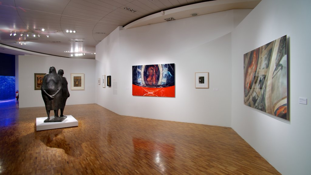 Museo de Arte Moderno which includes art and interior views
