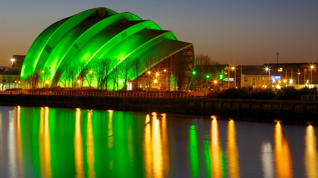 Glasgow showing modern architecture, theater scenes and general coastal views