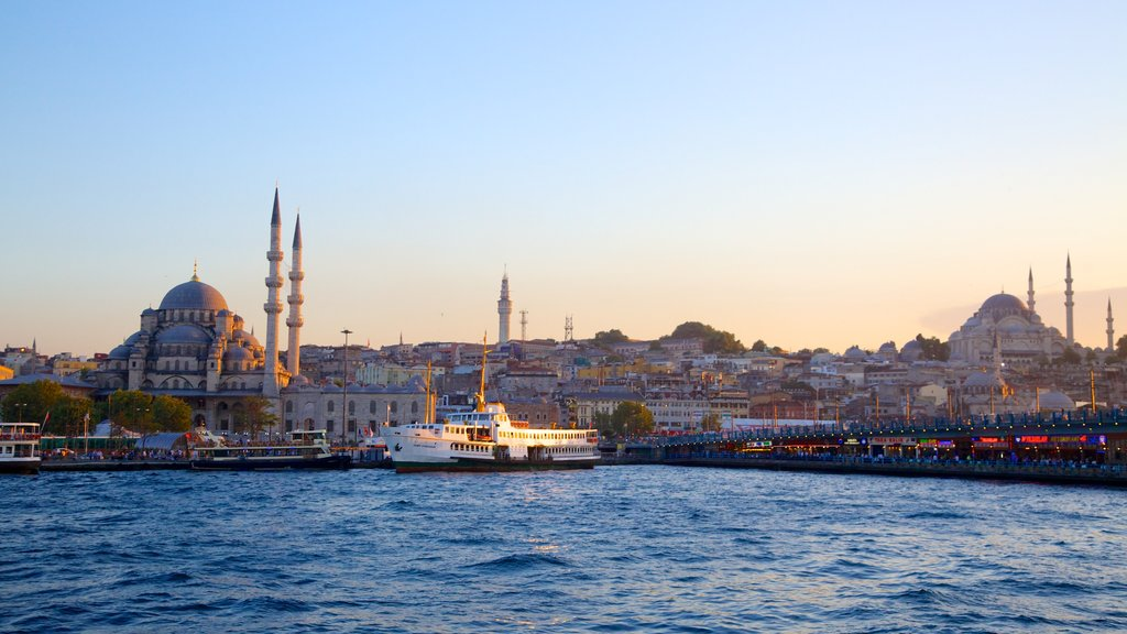 Rustem Pasha Mosque which includes a ferry, a bay or harbor and a bridge