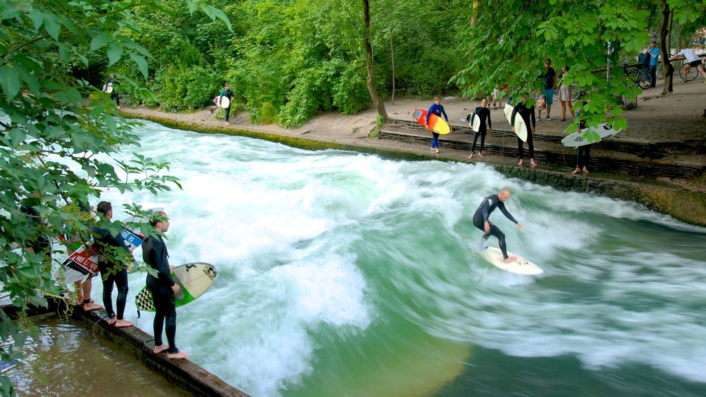 Englischer Garten Süd which includes rapids, surfing and a river or creek