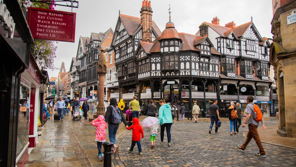 The Rows of Chester showing heritage elements and street scenes as well as a large group of people
