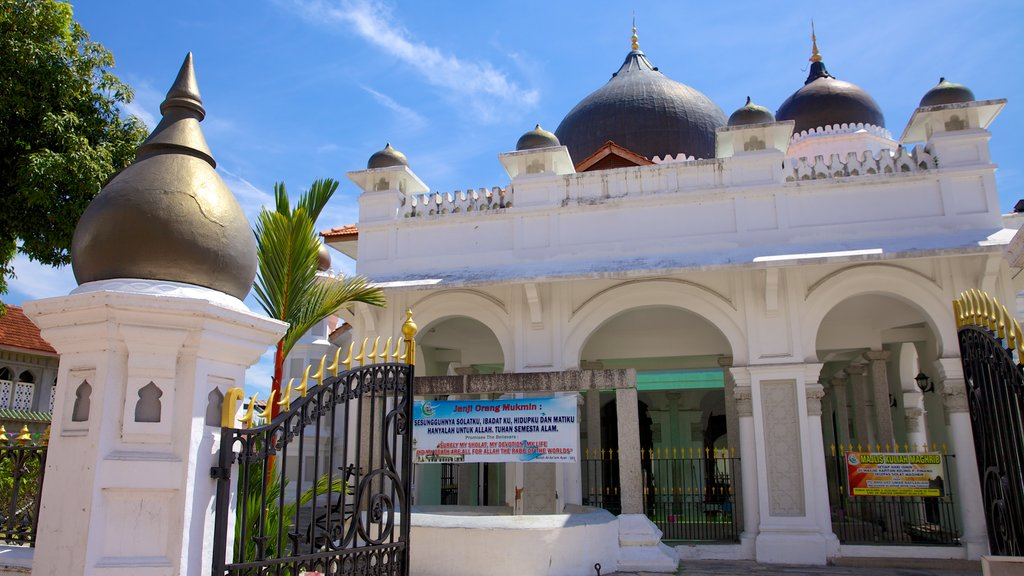 Kapitan Keling Mosque featuring heritage architecture, a mosque and religious elements