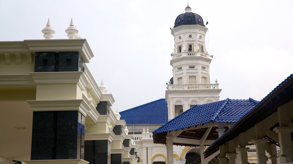 Johor Bahru which includes a mosque and heritage architecture