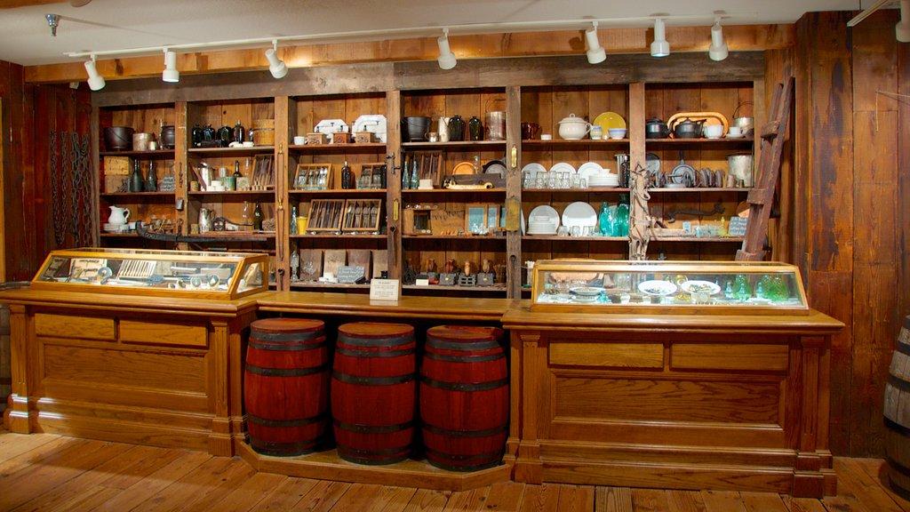 Arabia Steamboat Museum caracterizando um bar e vistas internas