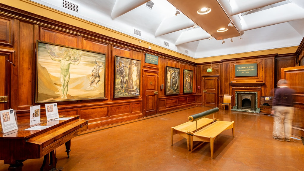 Southampton City Art Gallery showing art, heritage elements and interior views