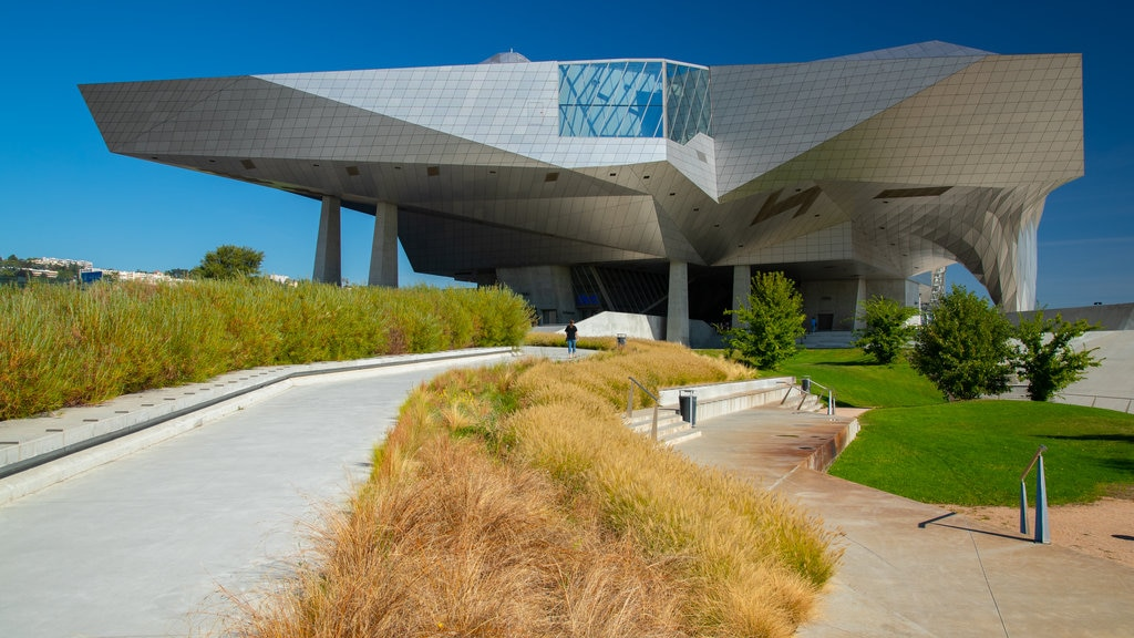 Confluence Museum showing modern architecture and a garden