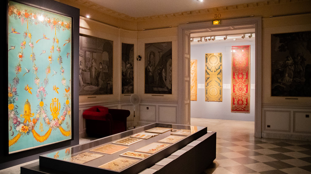 Textile Museum which includes interior views