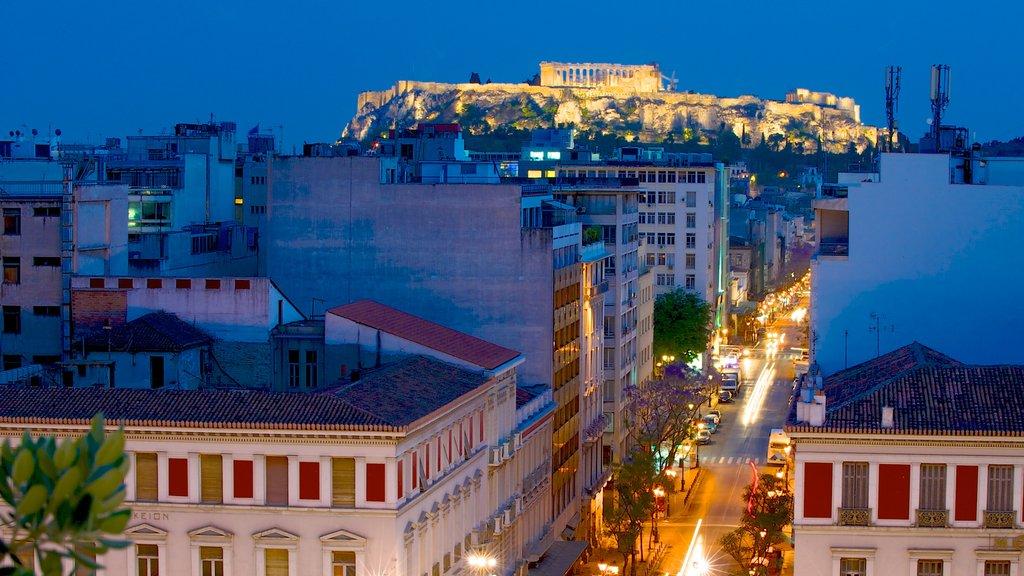 Atenas mostrando patrimonio de arquitectura, una pequeña ciudad o pueblo y escenas urbanas