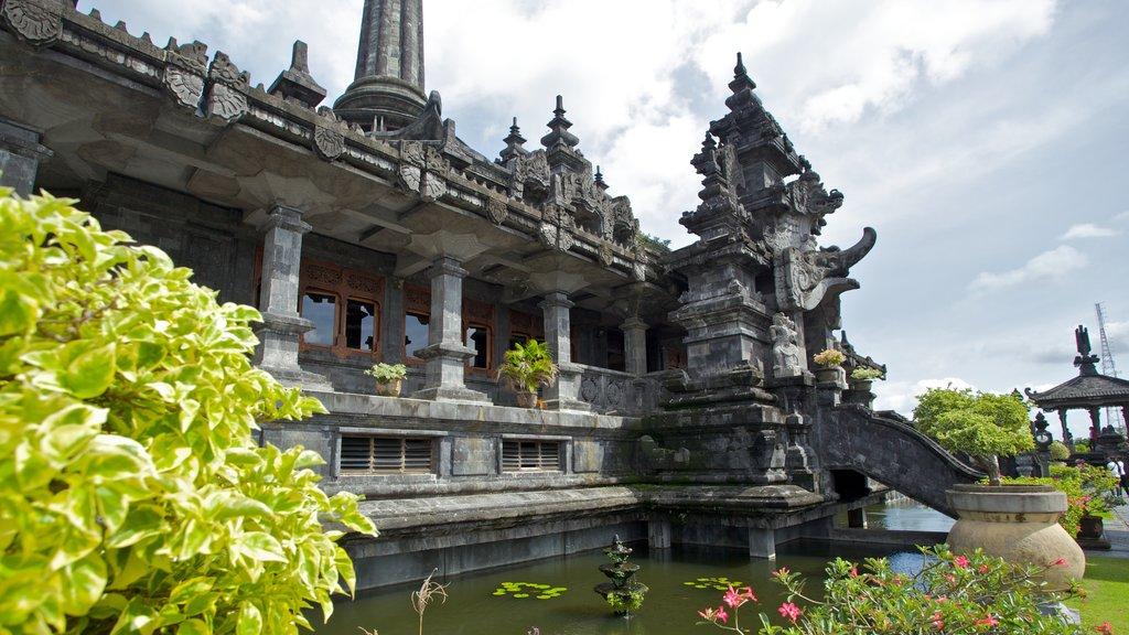 Monumento Bajra Sandhi mostrando un monumento y aspectos religiosos