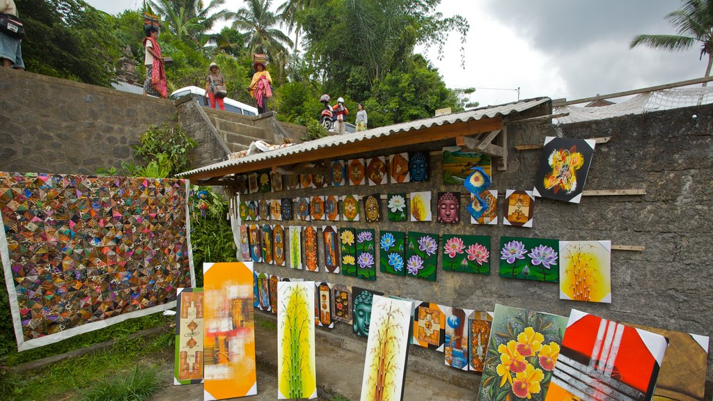 Tegallalang Village which includes outdoor art, markets and street scenes