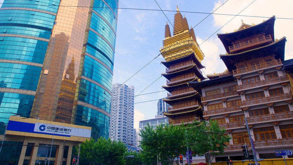 Jing An Temple featuring religious aspects, a city and a temple or place of worship