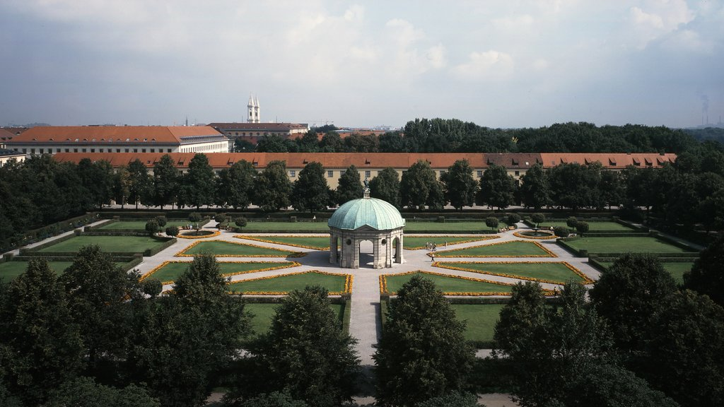 Hofgarten featuring a square or plaza and a park