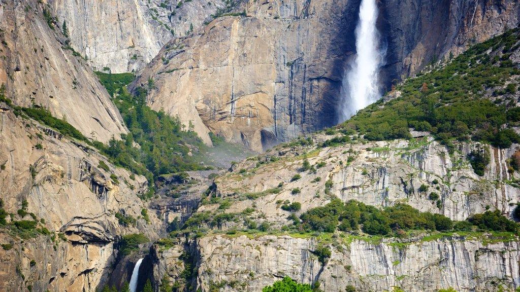Lower Yosemite Falls showing a waterfall and mountains
