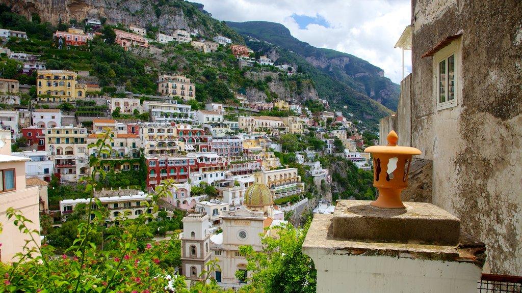 Positano featuring a city
