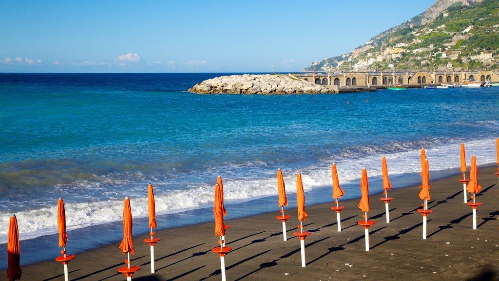 Amalfi Coast showing a sandy beach