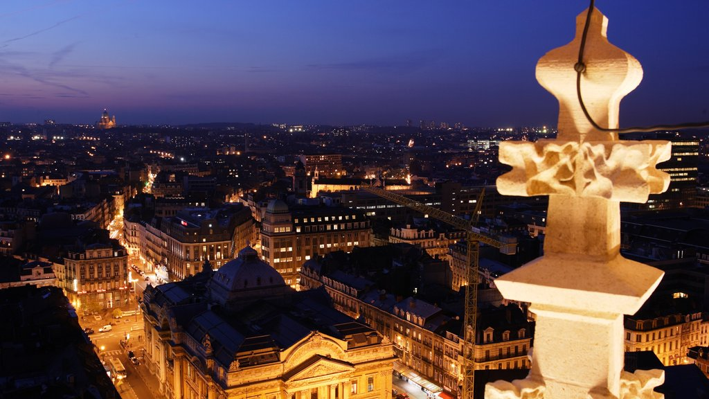 Brussels showing night scenes, heritage architecture and a city