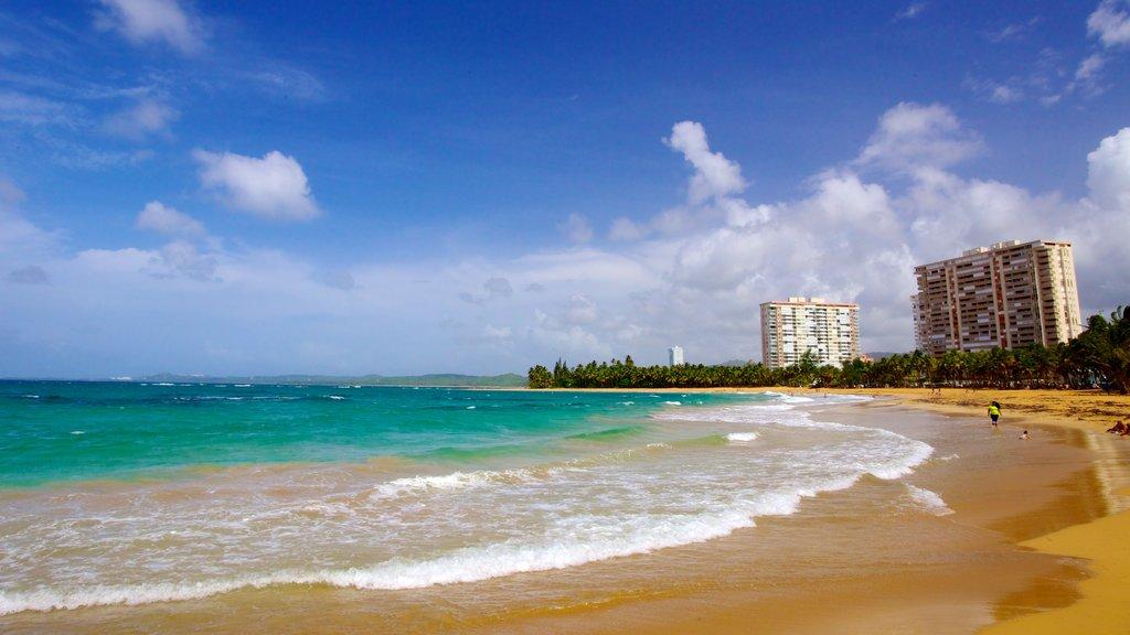 Azul Beach showing a sandy beach