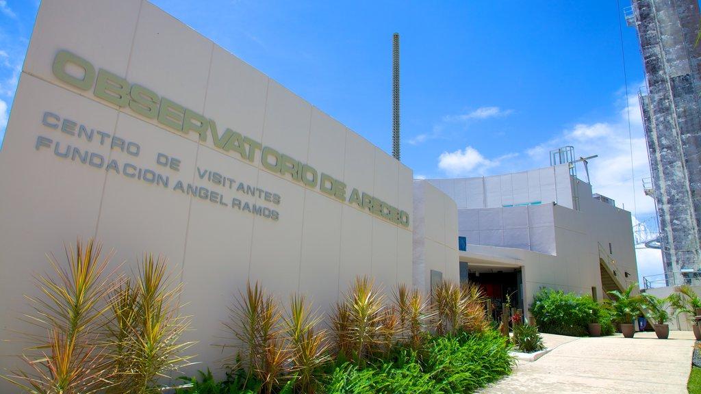 Observatorio de Arecibo que incluye un observatorio