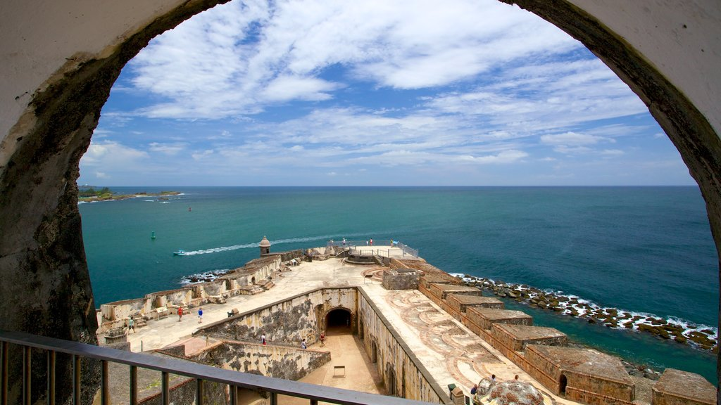 El Morro which includes general coastal views and heritage elements