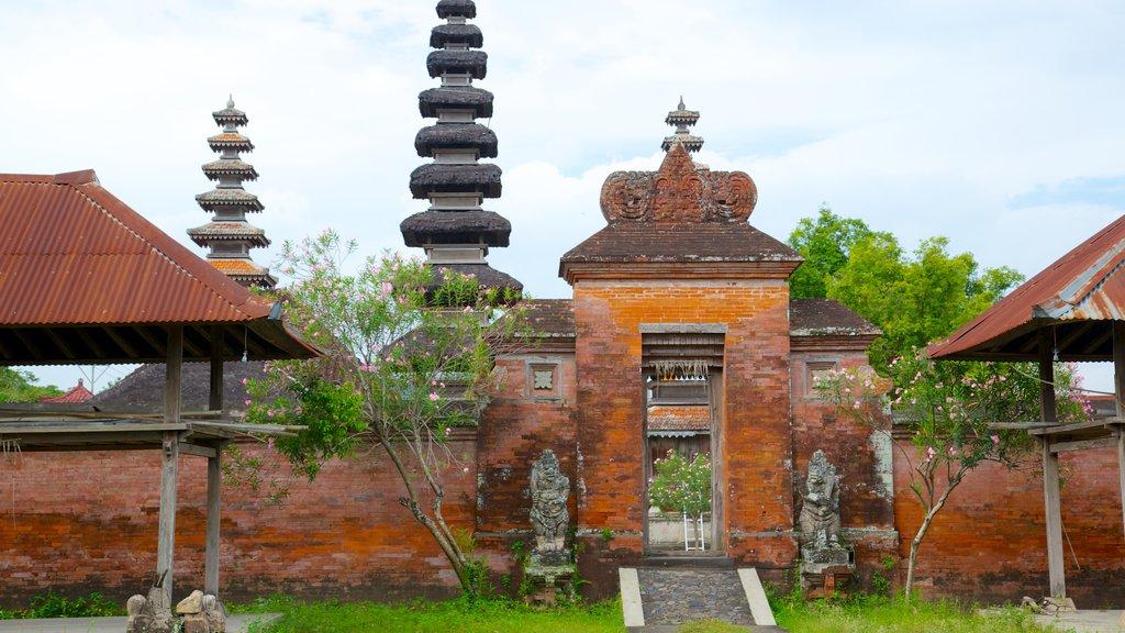 Mataram ofreciendo un templo o lugar de culto y aspectos religiosos