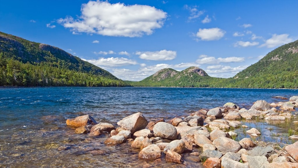 Bar Harbor showing a pebble beach, mountains and a lake or waterhole