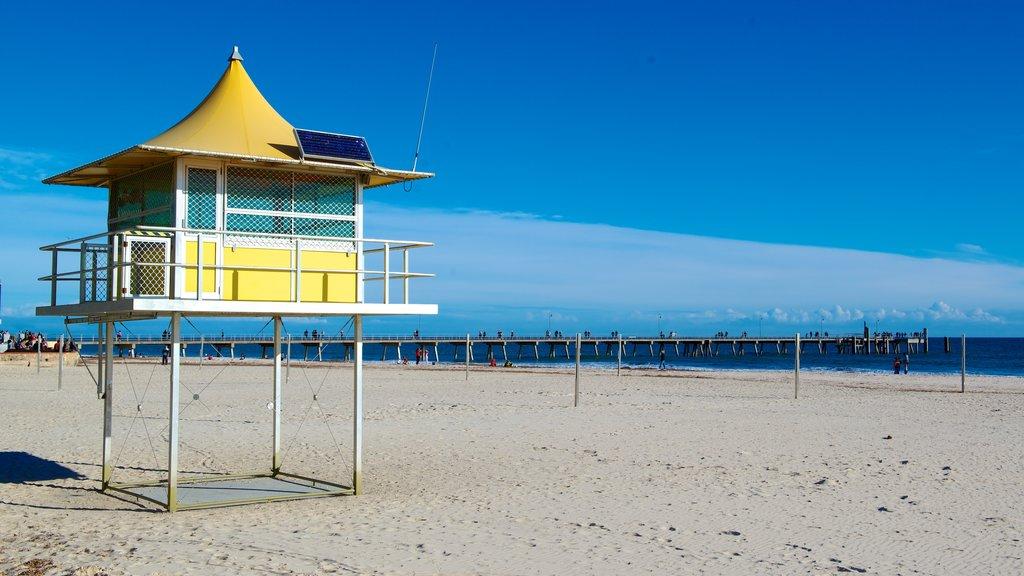Glenelg Beach which includes a beach