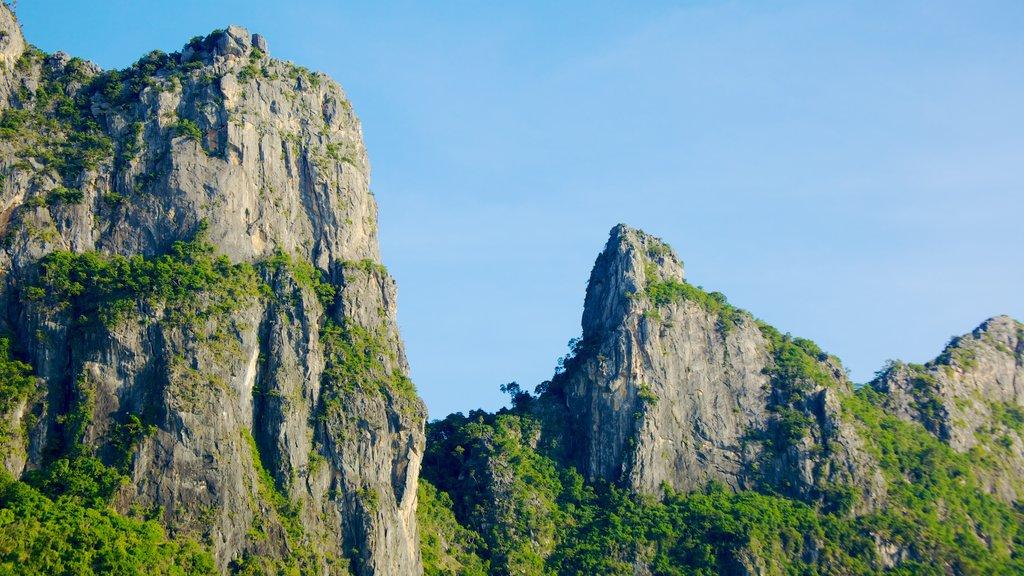 Hua Hin featuring mountains