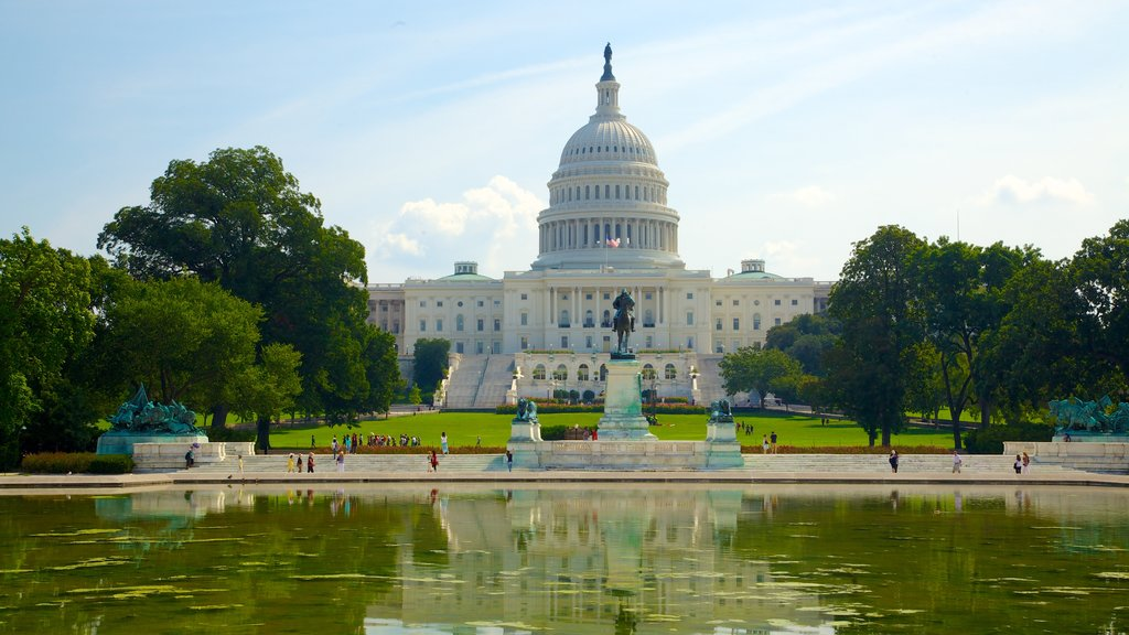 United States Capitol showing an administrative buidling, a square or plaza and a city