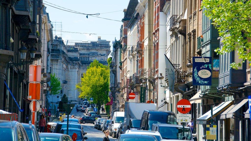 Place du Grand Sablon showing street scenes and a city