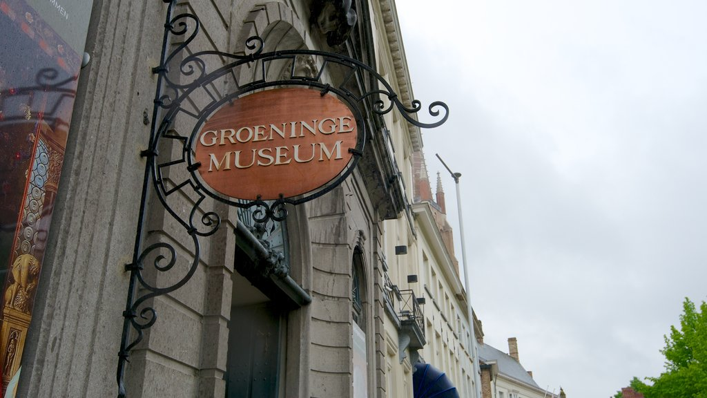 Groeningemuseum showing art and signage