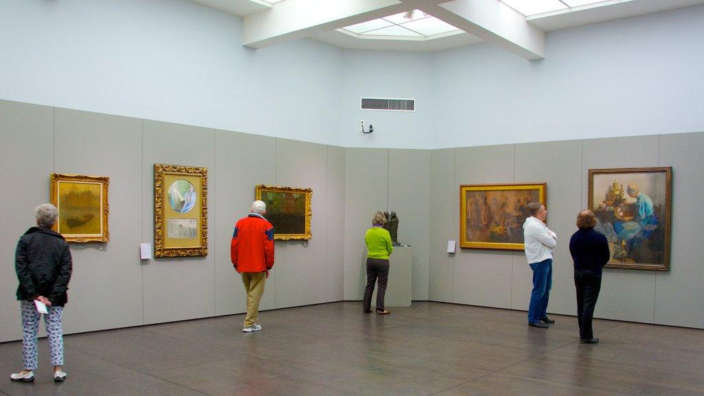 Groeningemuseum showing interior views and art