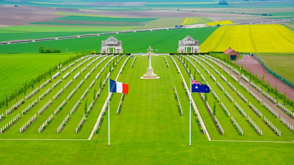 Villers-Bretonneux featuring religious aspects and a cemetery