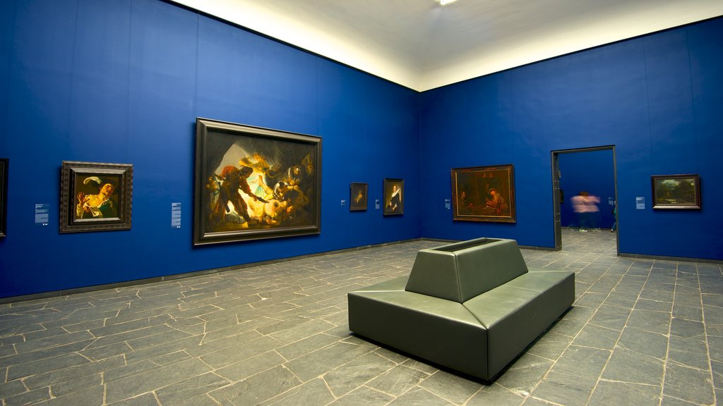 Staedel Museum showing art and interior views
