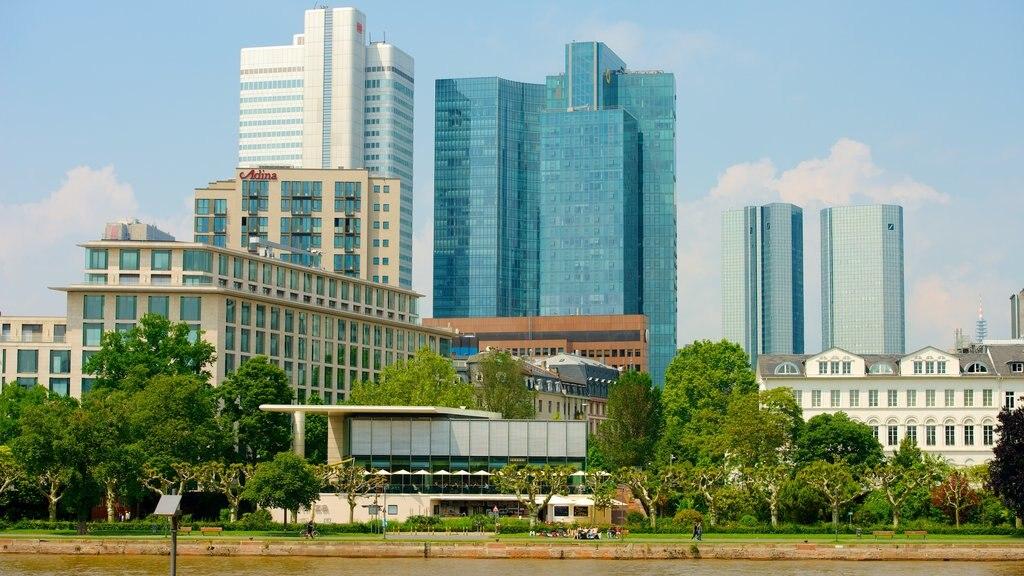 Frankfurt featuring a city and cbd
