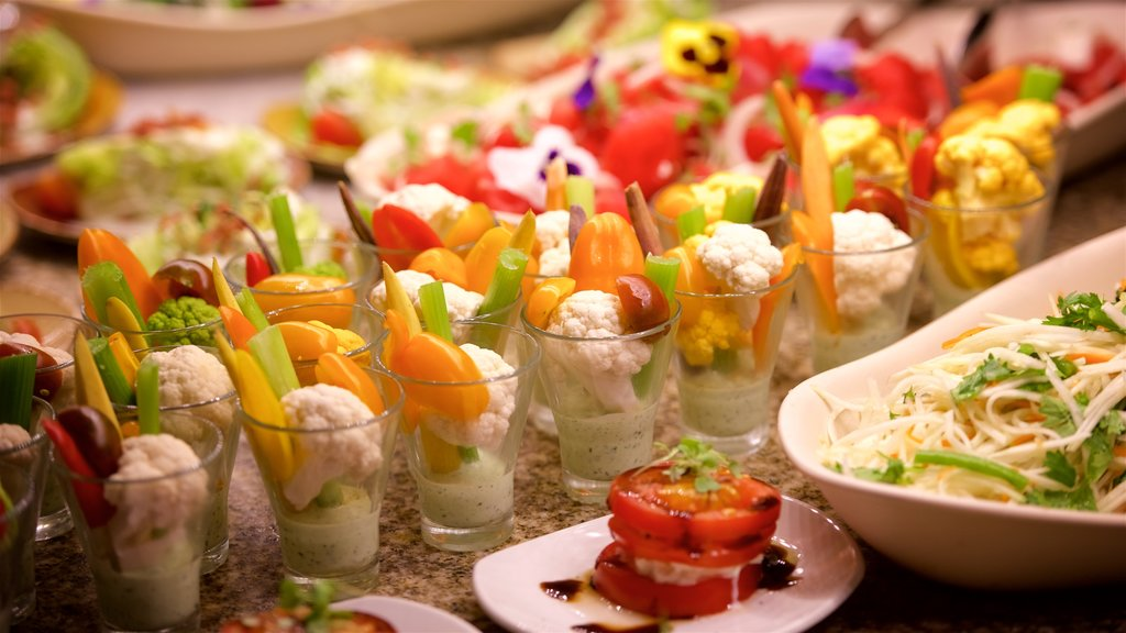 Las Vegas showing food