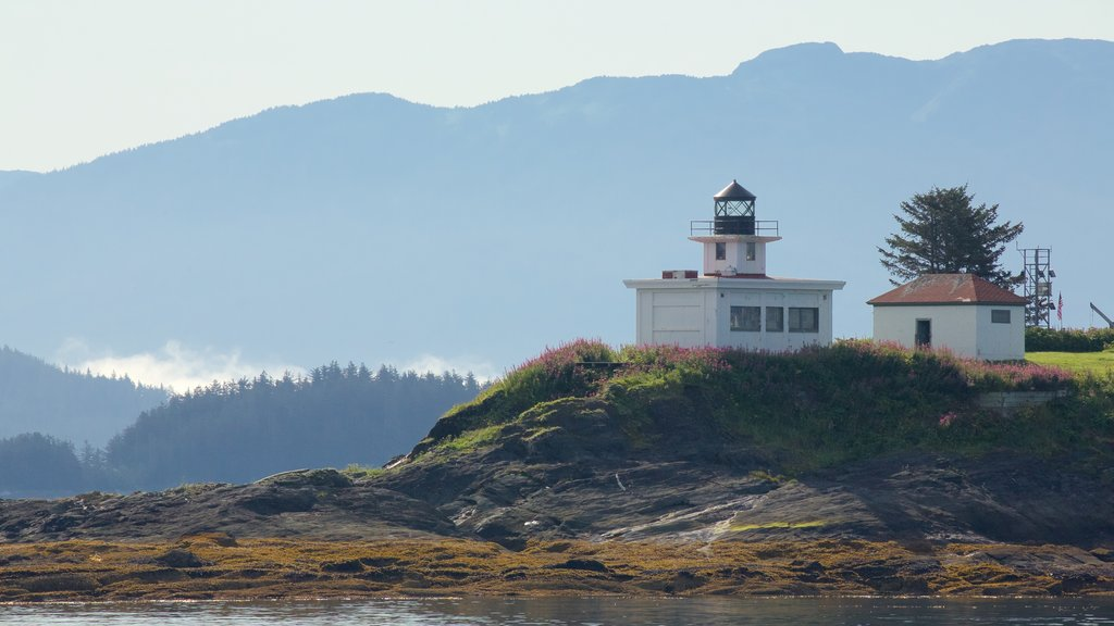Funter Bay State Marine Park featuring a lighthouse