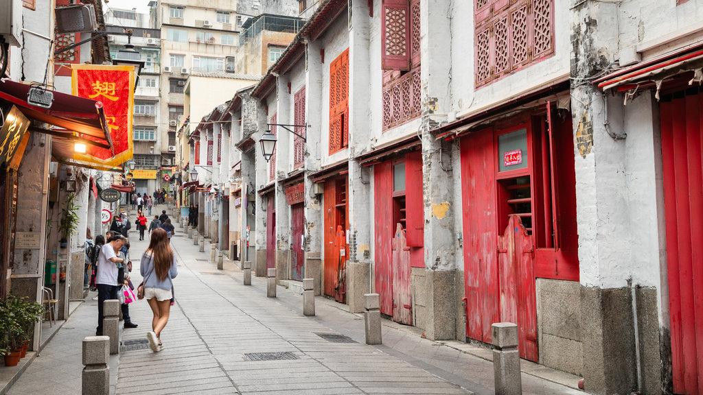 Macau City Centre showing street scenes