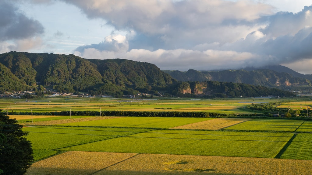 Aso showing mountains, landscape views and farmland