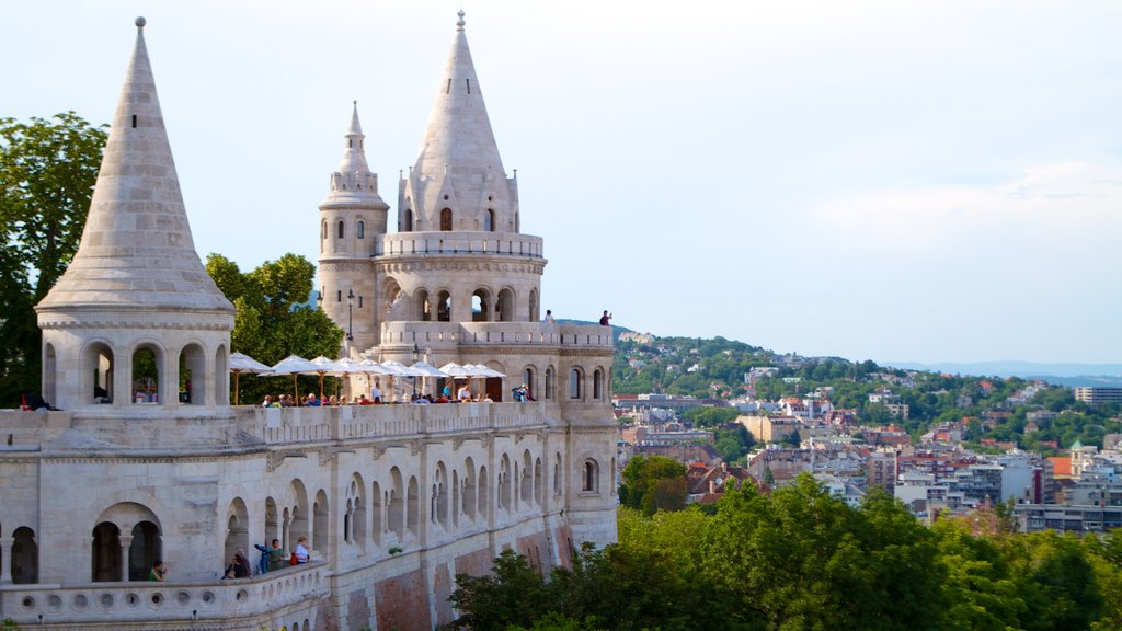Budapest which includes chateau or palace