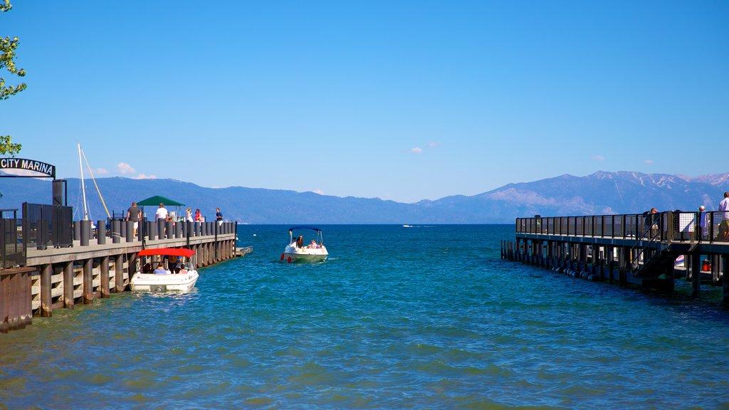 Tahoe City mostrando un lago o abrevadero, una ciudad costera y paseos en lancha