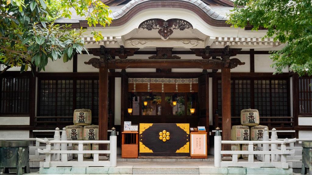 Torigoe Shrine featuring heritage elements