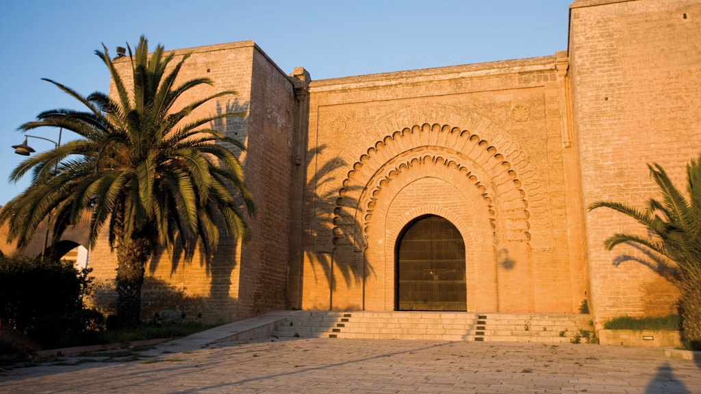 San Juan de Dios featuring heritage elements
