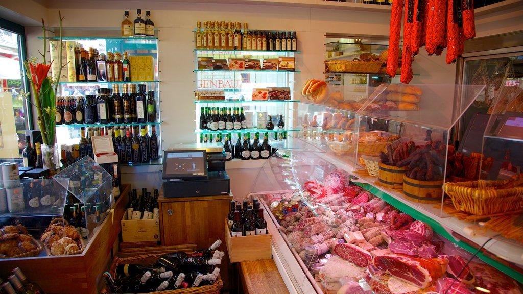 Naschmarkt que incluye comida, vistas interiores y mercados