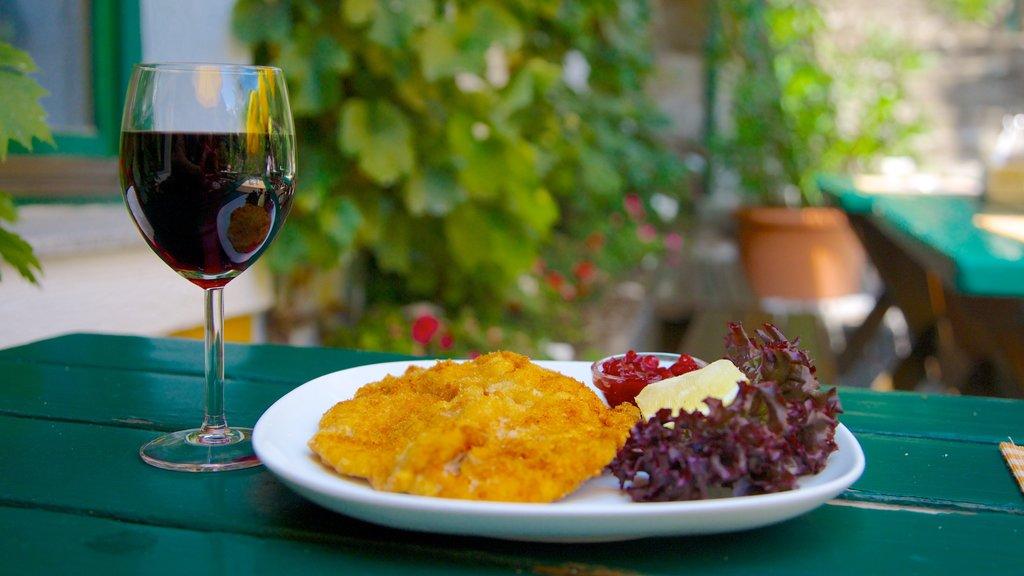 Viena mostrando comida y refrescos o bebidas
