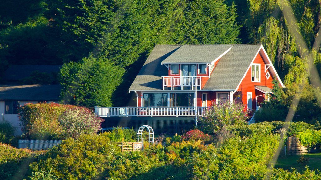 Bainbridge Island which includes a house