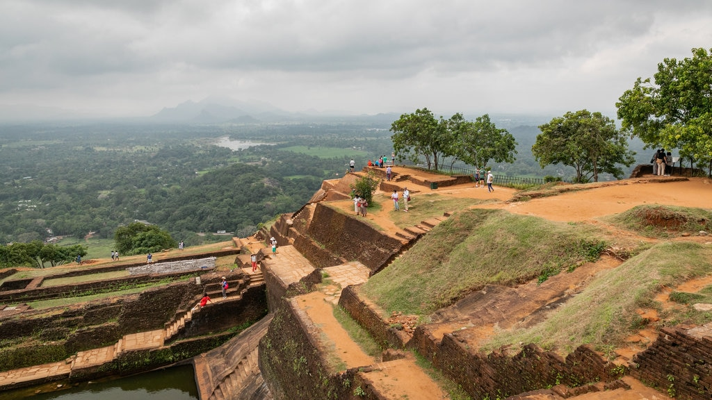 Sigiriya which includes heritage elements, landscape views and tranquil scenes